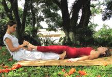 A massagem tailandesa Nuad-Borarn (Thai Yoga Massage)