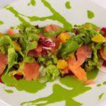 Salada primvera com salmão fumado