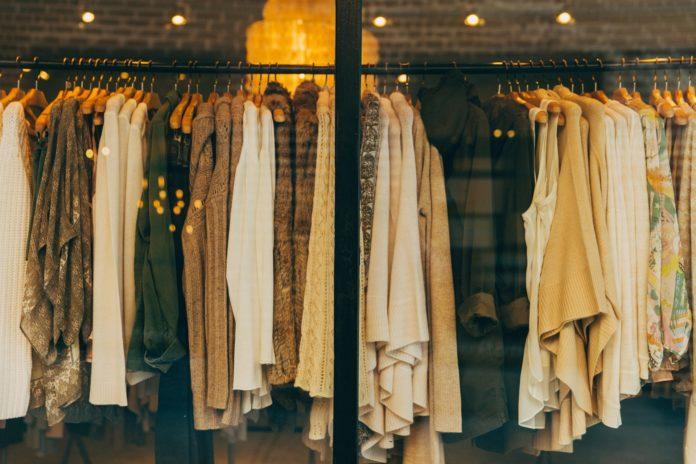 Peças de roupa e acessórios