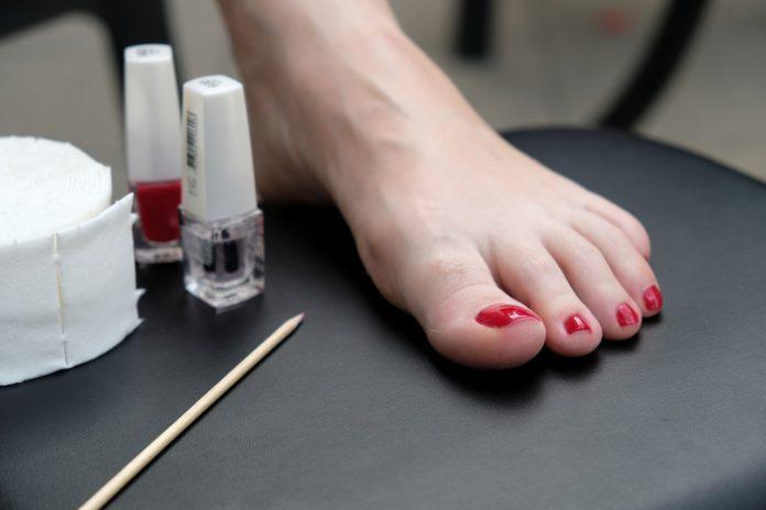 Cuidados para ter uns pés bonitos