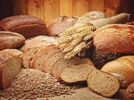 8 truques para amassar e cozer pão caseiro sem segredos