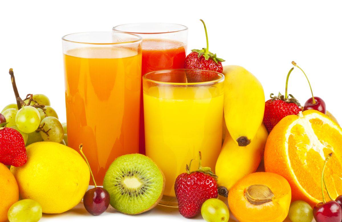 Como introduzir os sumos de fruta na alimentação do bebé