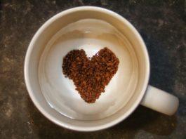 Pequeno almoço romântico para o Dia de São Valentim