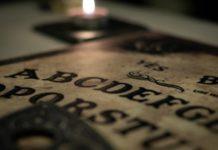 A tábua de Ouija - o famoso jogo do copo