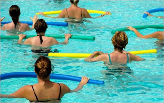 Hidroginástica: a solução para fazer exercício no verão