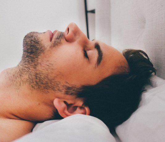 Deixe de ressonar e tenha uma noite de sono descansada
