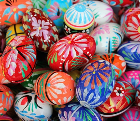 Como fazer ovos de Páscoa coloridos e criativos