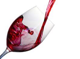 Sirva-se de um copo de vinho