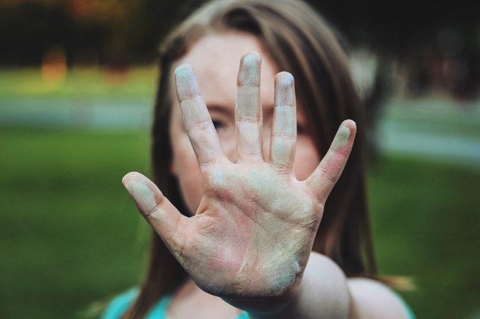 Saiba como ajudar a combater a timidez