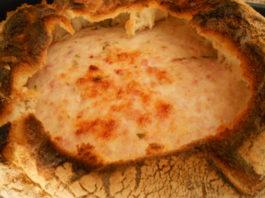 Pão alentejano recheado com queijo