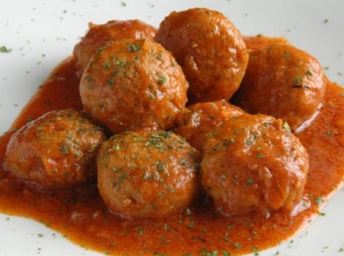 Almôndegas com molho de tomate na bimby | Mulher Portuguesa Almondegas Receita Portuguesa