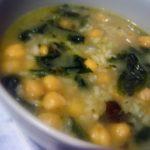 Receita de Sopa de grão com espinafres e chouriço.