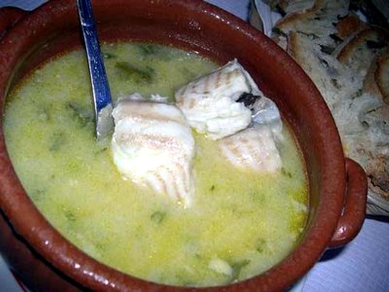 Receita de sopa de cação com coentros picados