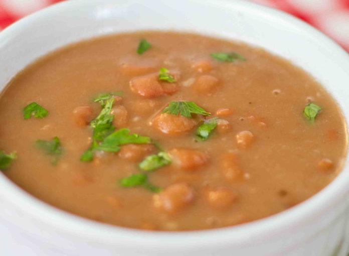 Receita de sopa de feijão manteiga com batata