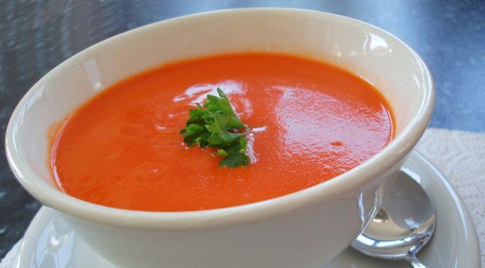 Creme de tomate e manjericão para bebé