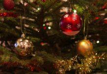 Decorações de Natal: a árvore, as luzes, o presépio e a mesa de Natal