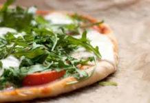 Pizza Light de Rúcula e Queijo Parmesão