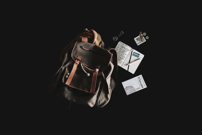 Organizando a mala para a viagem