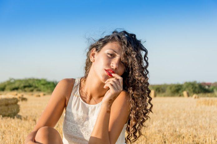 12 Dicas para ter um cabelo brilhante durante o Verão