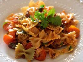 Receita de Massa farfalle com tomate e sardinhas