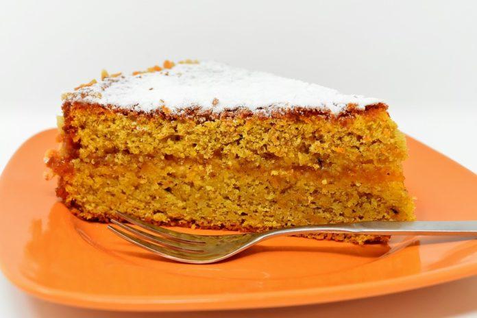 Receita de bolo de cenoura tradicional