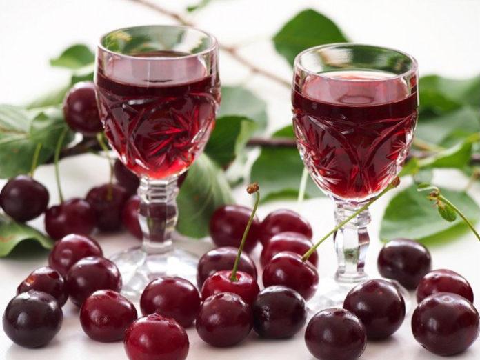 Receita de Licor de cereja